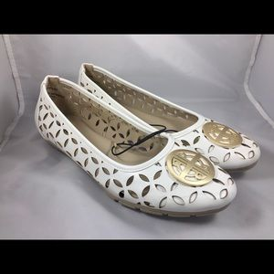 New Never worn, Rialto Women's Shoes